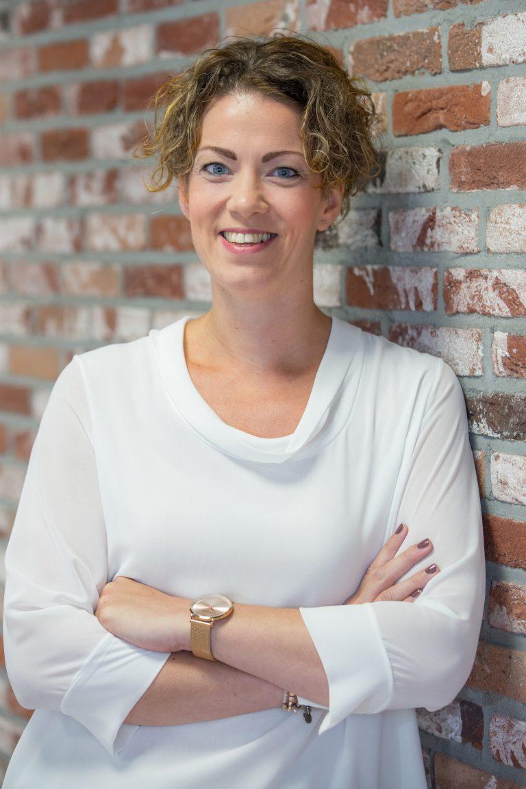 Simone Sleddens | Office manager