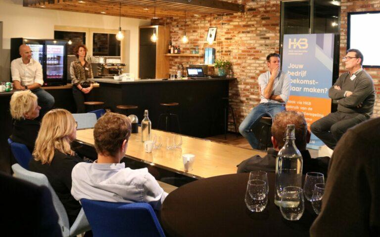 Rob Kimpen en Jack van den Heuvel tijdens het HKB Ondernemerscafé Boeien Binden Belonen