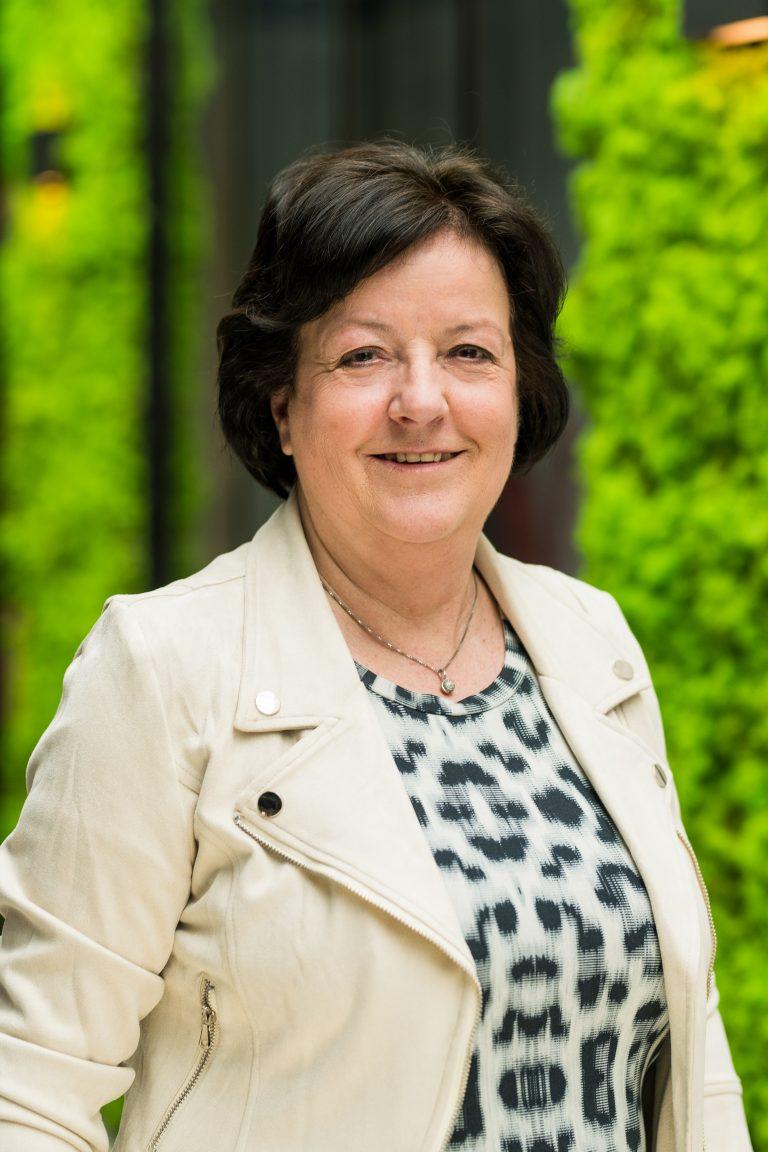 Yvonne van Luttervelt | Secretariaat